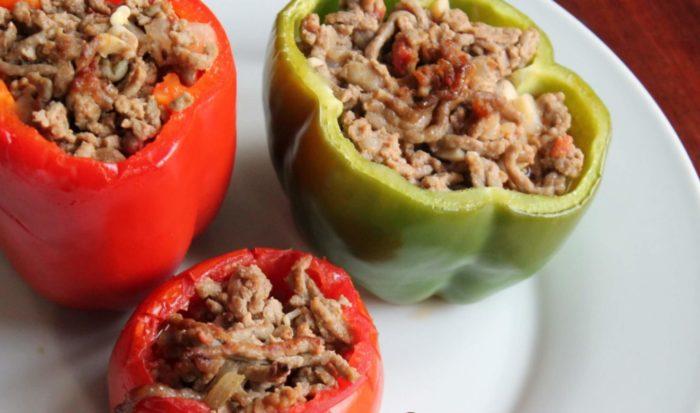 Poivrons et tomates farcies